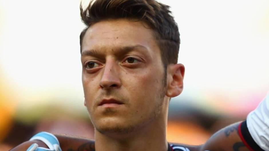 Weltmeisterschaft: Mesut Özil: Darum singt er vor Spielen nie die Nationalhymne