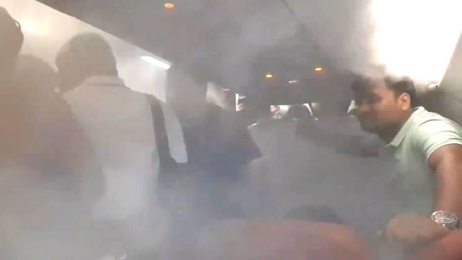 Starker Nebel im Flugzeug: Pilot dreht Klimaanlage auf, weil Passagiere nicht aussteigen wollen