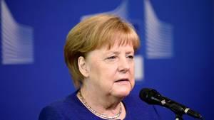 Bundeskanzlerin Angela Merkel stehtmächtig unter Druck