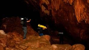 Thailand: Fußballmannschaft in Höhle verschollen