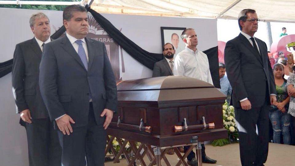 Trauerfeier für denerschossenen Kandidaten für das Bundesparlament von Mexiko, Fernando Puron Johnston
