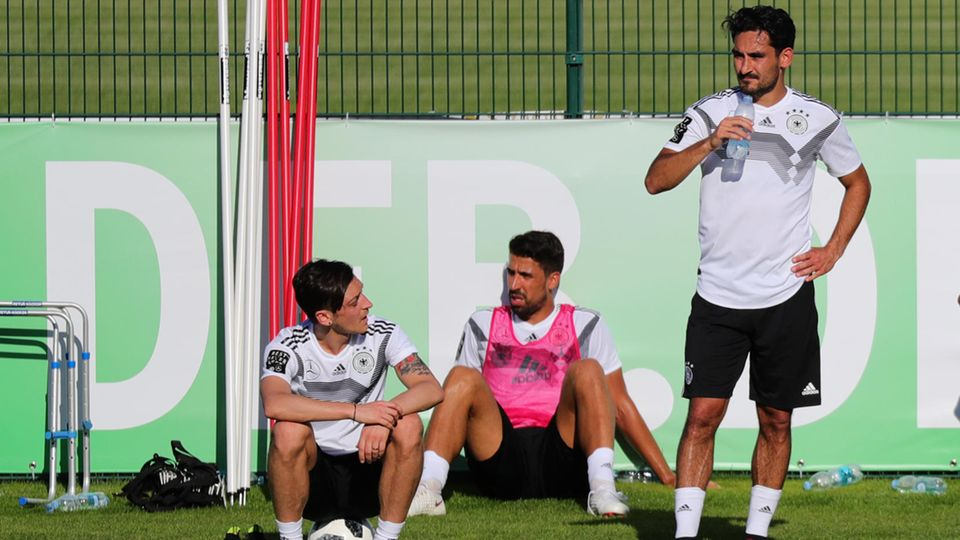 Mesut Özil, Sami Khedira, Ilkay Gündogan beim Training
