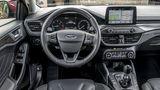 Das Cockpit des Ford Focus 1.5 Ecoboost Turnier