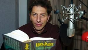 "Rufus Beck bei der Aufnahme zum ""Harry Potter""-Hörbuch"