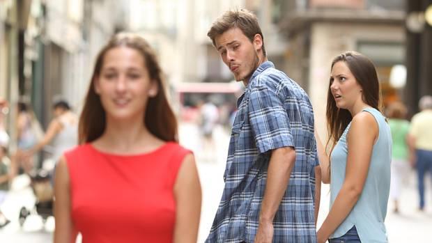 """Das """"Distracted Boyfriend""""-Meme"""