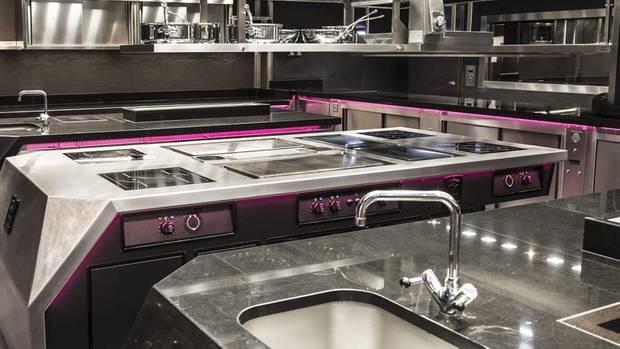 """Das neue, moderne Herz des """"Ledoyen"""": die Küche"""