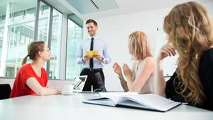 Viele Meetings sind schlicht Zeitverschwendung (Symbolbild)