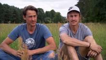 Paul und Hansen Hoepner wollen mit ihrem selbstgebauten Tretfahrzeug durch Alaska fahren.