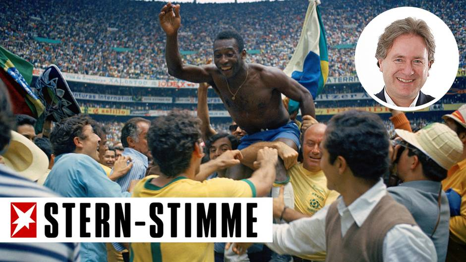 Nach dem Sieg der Brasilianer im Finale der WM 1970 wird Pelé auf Händen über den Platz getragen
