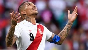 Auch ein Ex-Bundesliga-Star habe Kontakte zu dem dubiosen brasilianischenMediziner: Der heutige Kapitän der peruanischen Nationalmannschaft, Paolo Guerrero (früher HSV und Bayern München).