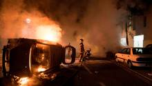 In Nantes ist es zu schweren Ausschreutngen von Jugendlichwe gekommen, nachdem die Polizei einen 22-Jährigen erschoss