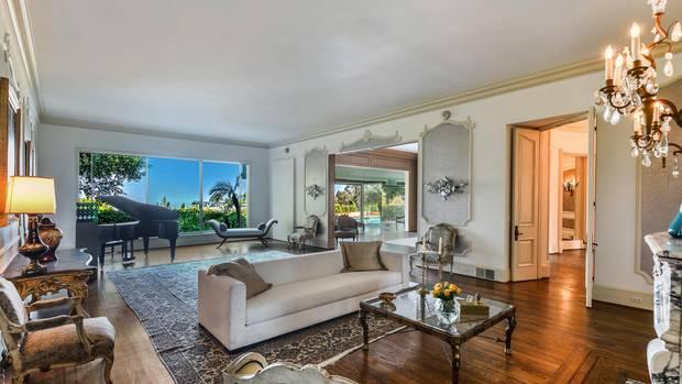 1973 kaufte Zsa Zsa Gabor die Villa. Der Vorbesitzer warSänger Elvis Presley.