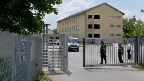 Abschiebeeinrichtung in Ingolstadt-Manching. Dient sie Horst Seehofer als Vorbild für die geplanten Ausreisezentren?