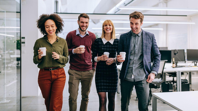 Guter Zusammenhalt unter Kollegen ist einer der wichtigsten Faktoren für Zufriedenheit im Job