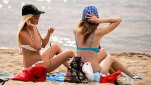 Gerade für den Strandurlaub am Mittelmeer bietet sich eine Pauschalreise an.