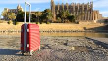 Fünf Monate war der Koffer spurlos verschwunden. (Symbolbild)