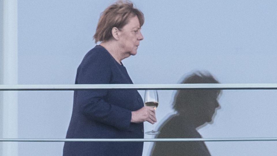 Angela Merkel auf dem Balkon des Bundeskanzleramts