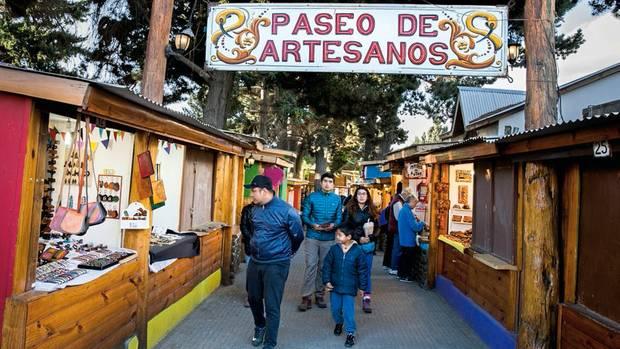 Die Marktstände im nahen El Calafate haben sich auf Kunsthandwerk spezialisiert.