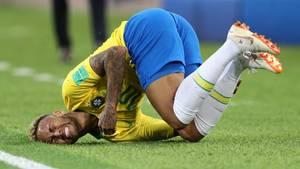 Neymar, der Star, bei einer seiner Showeinlagen auf dem Platz