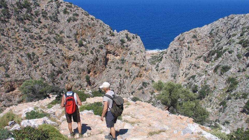 Immer das Meer im Blick: Wandern auf Kreta.