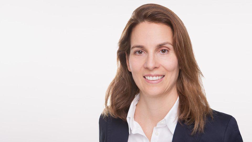 """Stephanie Petrick arbeitete beim Sozialunternehmernetzwerk Ashoka und beim """"Impact Investing Pionier Impact in Motion"""" bevor sie ihre eigene Abteilung bei Phineo aufbaute."""