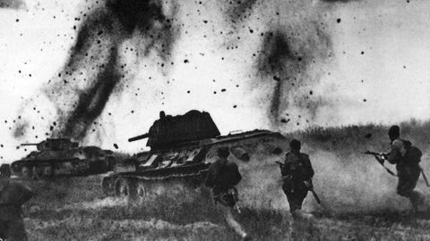 Die Panzer müssen von Infanterie begleitet werden.
