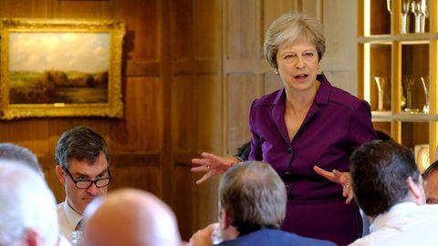 Großbritannien: Theresa May schwört Kabinett auf neuen Brexit-Kurs ein