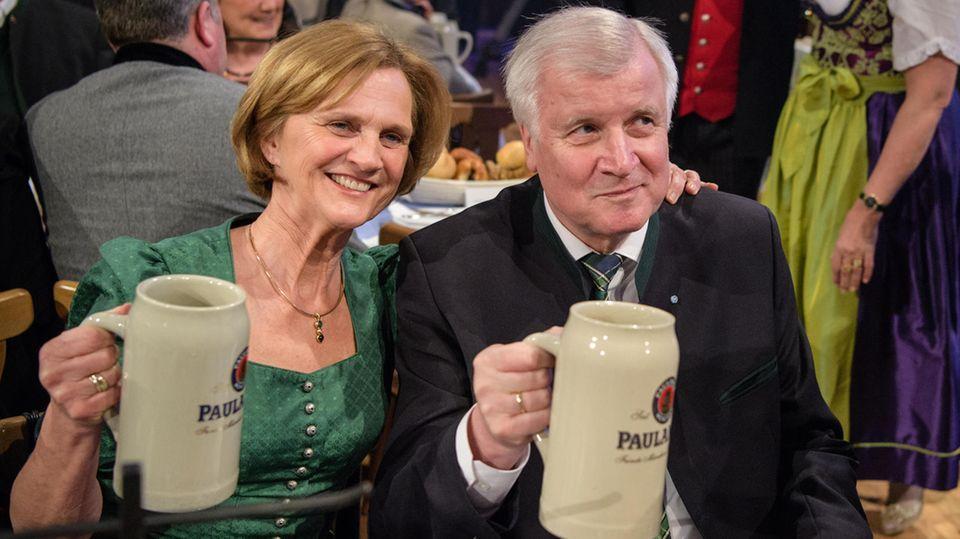 Horst Seehoferund seine Frau Karin