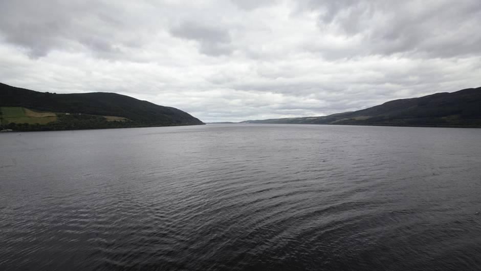 Loch Ness im schottischen Hochland