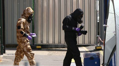 Monate nach dem Giftanschlag auf die Skripals werden in Salisbury wieder Spuren gesichert
