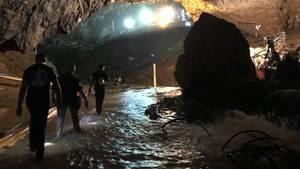 Höhlen-Drama in Thailand: Elon Musk erreicht die Höhle