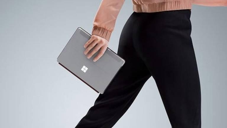 Das Surface Go wiegt 520 Gramm und kann mit einer passenden Tastaturhülle aufgemotzt werden.