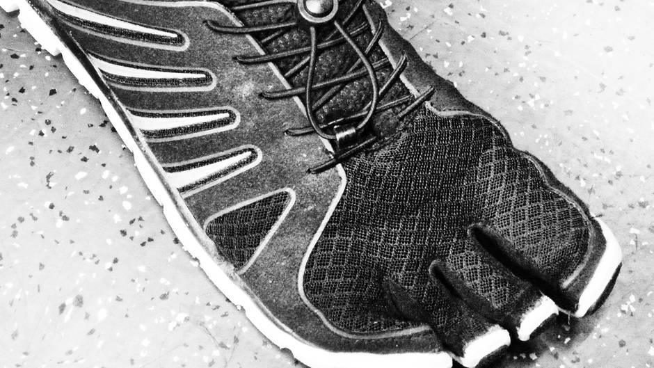 Barfuß in Sneakers: 5 Tipps gegen Schweißfüße | Barfuß