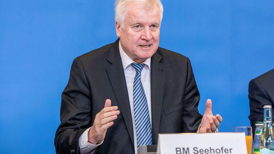 """Drei Monate vor der Landtagswahl: """"Hat uns lächerlich gemacht"""" - CSU hadert mit Vorsitzendem Seehofer"""