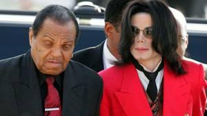 Michael Jackson mit seinem Vater Joe Jackson