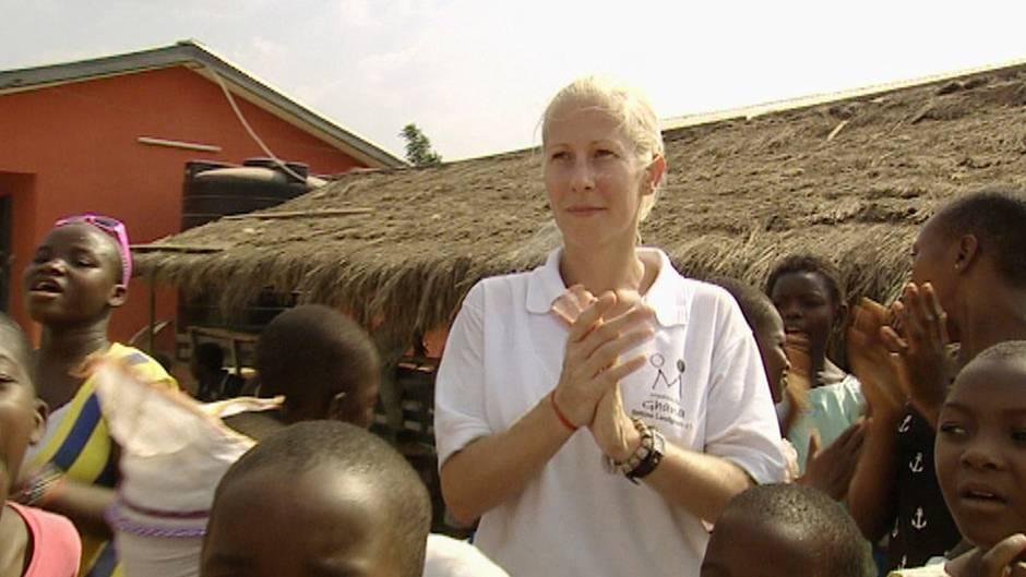 Kinderkrankenschwester Bettina Landgrafe aus Hagen lebt und engagiert sich seit über 17 Jahren in Ghana.