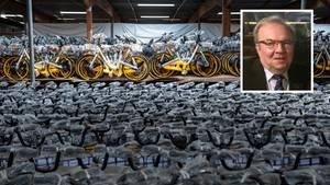 In der Lagerhalle von Harald Ploß, 71, stehen 10.000 unbenutzte Obike-Räder