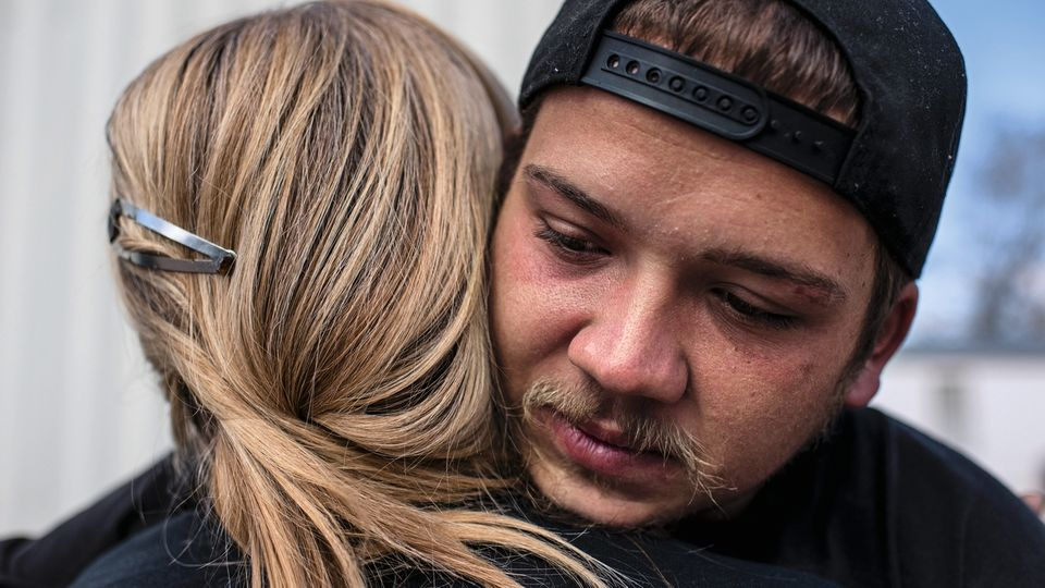 Vinny heute, sechs Jahre nach seiner Zeit im Gefängnis. Er will seiner Mutter Halt geben, aber es ist verdammt schwer