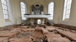 Gräber unter der Karlskirche in Kassel entdeckt