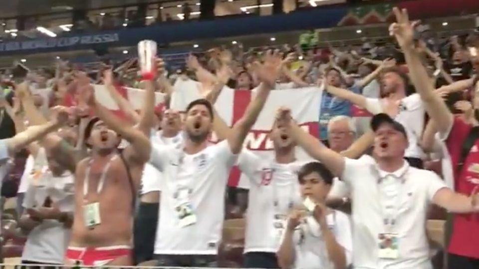 Singende England-Fans im WM-Stadion
