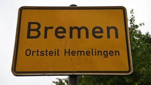 Die Polizei hat die Eltern von drei kleinen Kindern am Mittwoch tot in ihrer Bremer Wohnung im Stadtteil Hemelingen gefunden