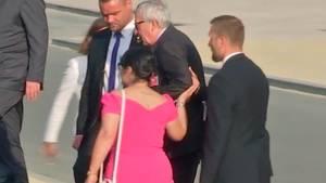 Ischias-Attacke: Jean-Claude Juncker wankt über Nato-Gipfel