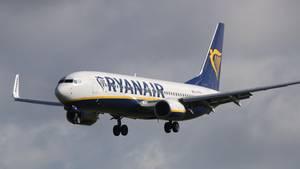 Eine Ryanair-Maschine in der Luft