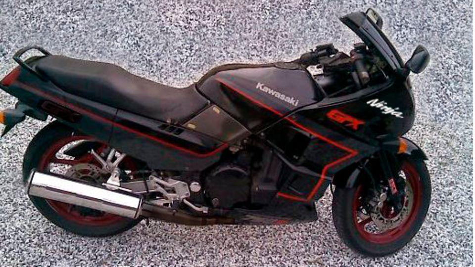 Tibor Foco floh mit einem Kawasaki-Motorrad