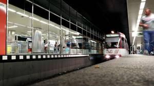 Eine U-Bahn in Duisburg