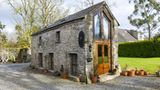Diese umgebaute Scheune steht rund 35 Kilometer von Dublin entfernt im DörfchenArdcath und bietet Platz für zwei Gäste. Die Hütte verfügt über einen kleinen Ofen und eine kleine Küche. Auch Wlan haben Gäste in dieser kleinen Hütte. Pro Nacht zahlen Urlauber rund 100 Euro.