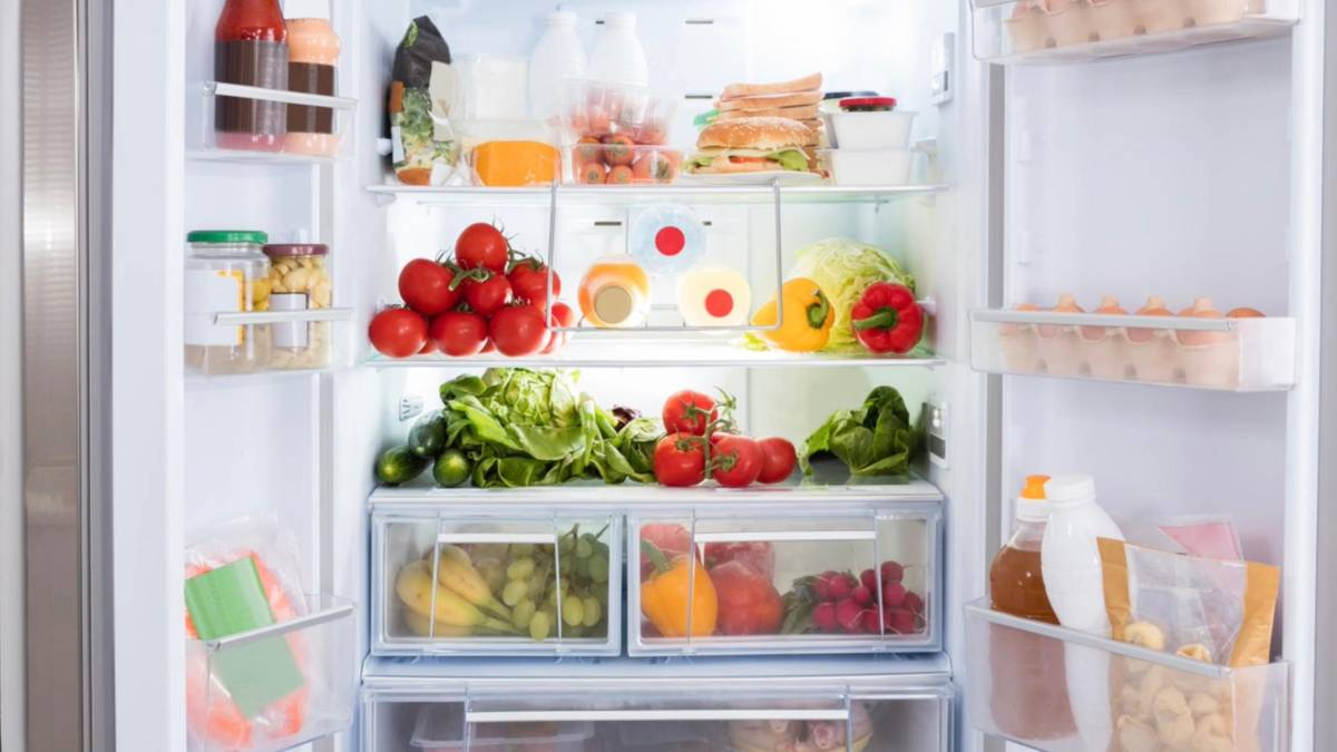 Aldi Kühlschrank Auto : Kühlschrank: so lagern sie lebensmittel am richtigen platz stern.de