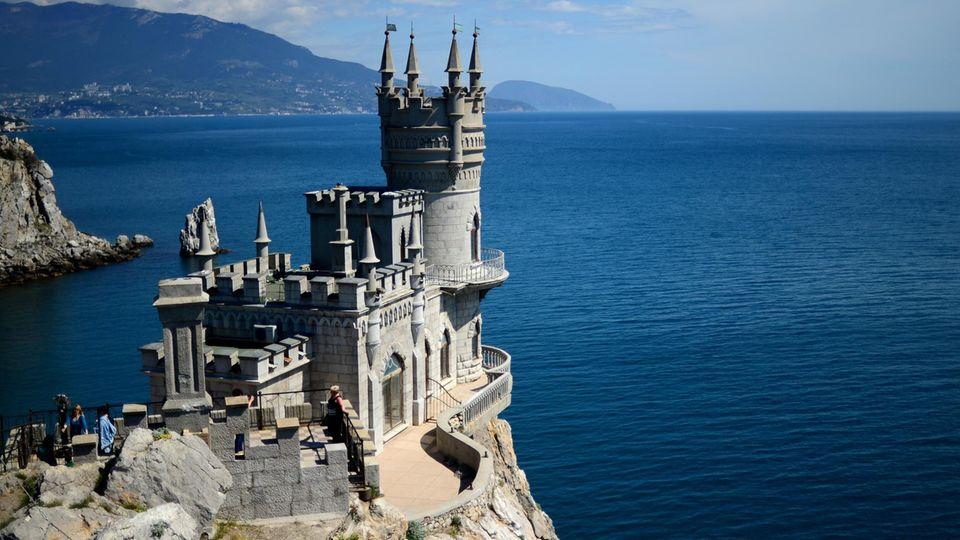 Krim: Das Schloss Schwalbennest gehört zu denberühmtesten Sehenswürdigkeiten der Halbinsel