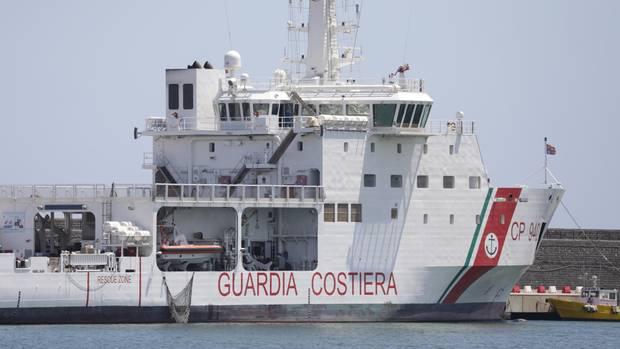 Schiff der italienischen Küstenwache: Drastische Schritte der rechtspopulistischen Regierung?