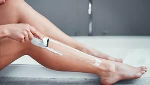 Für eine Frau aus Nottingham wurde das Rasieren der Beine zum Albtraum (Symbolbild)